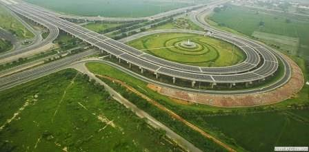 Noida Expressway: Prime Location for Property Investment