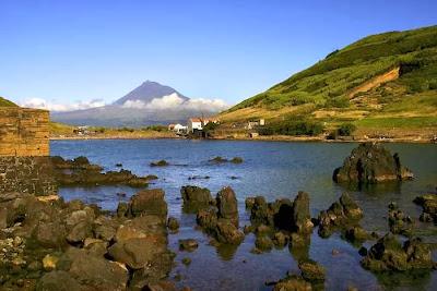 Vista de la Isla de Pico desde Faial