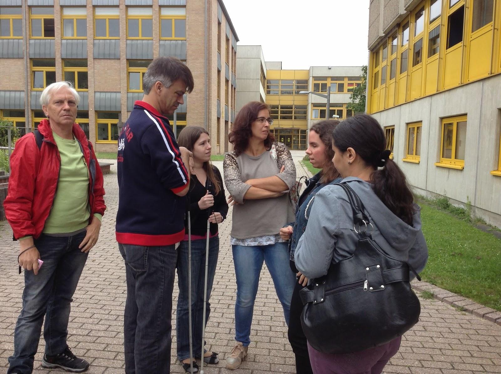 Fotografia dos participantes e acompanhantes dentro do BFW a iniciar o dia de trabalho! Säo 7h na hora portuguesa!