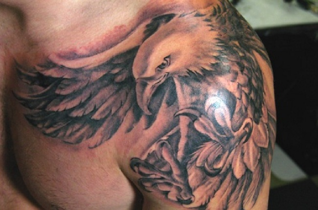 Tatuagens masculinas de águia