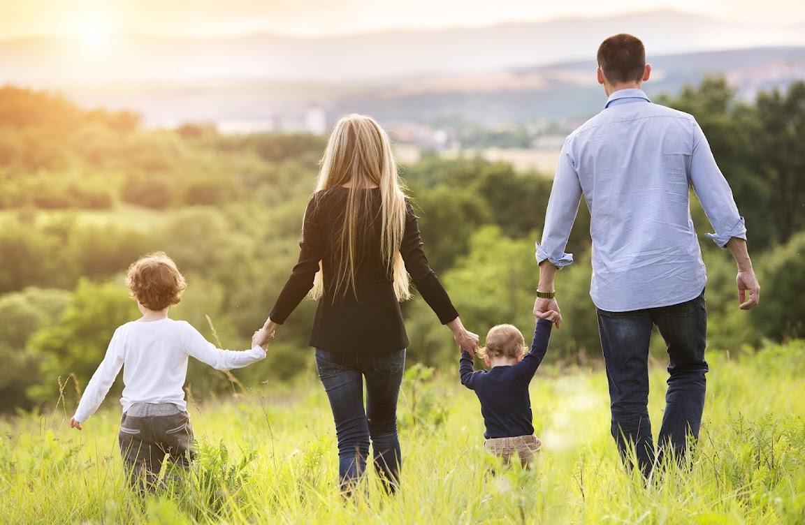 Семья это и есть то ради чего стоит просыпаться каждый день
