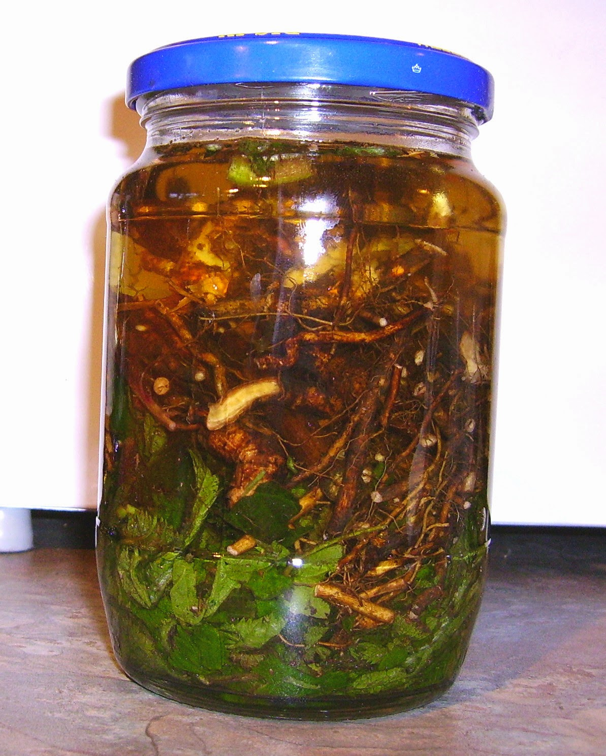 Bramble root and leaf vinegar