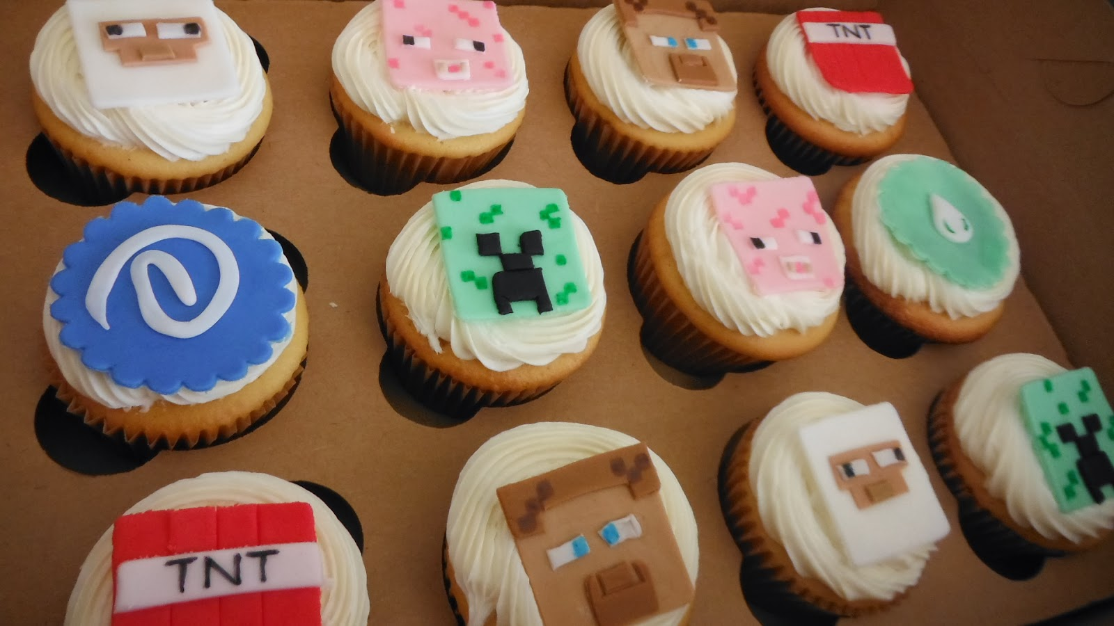 These Minecraft Cupcakes are an easy addition to any Minecraft birthday party Your Minecraft fan will love these Creeper Cupcakes