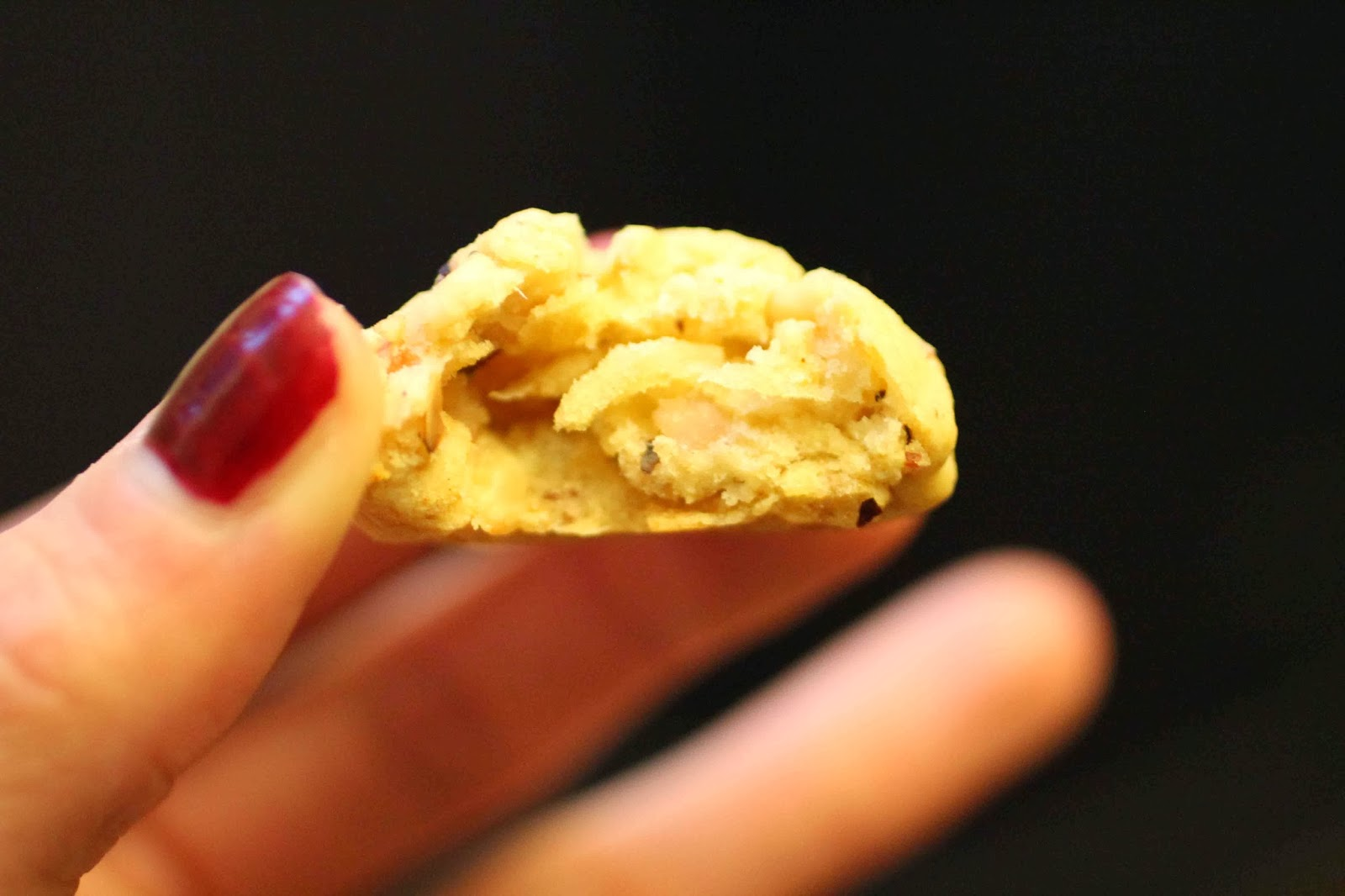 http://camilleenchocolat.blogspot.fr/2013/10/cookies-sales-au-bacon-et-noisettes.html