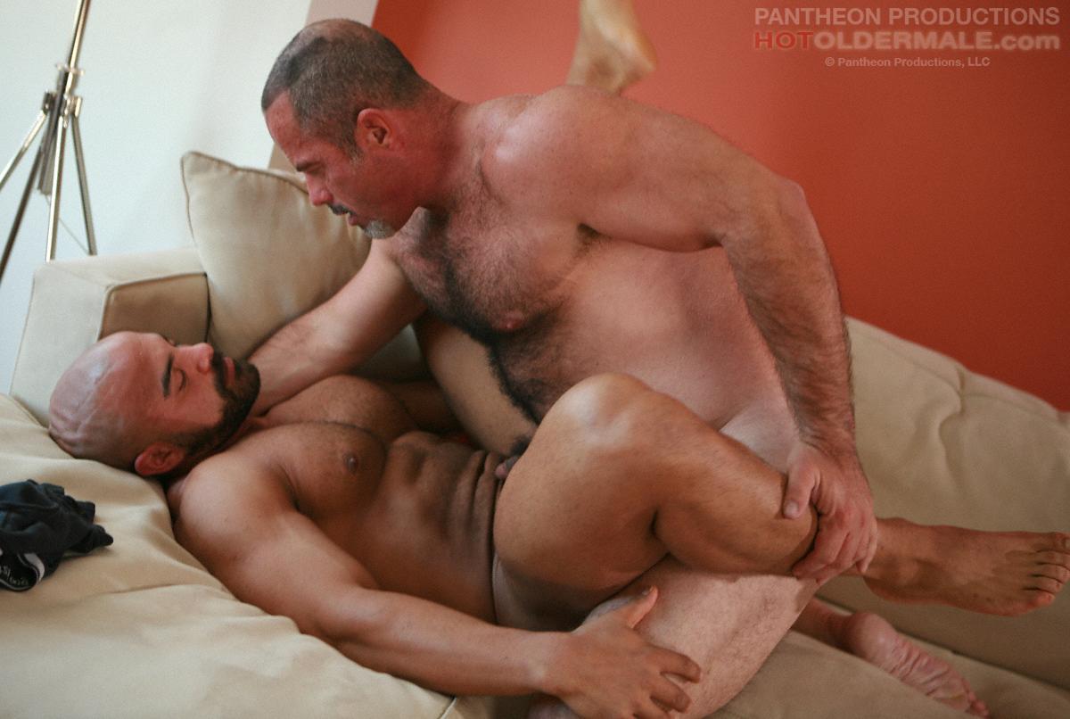 Tony Daniels Muscle Bear Gay