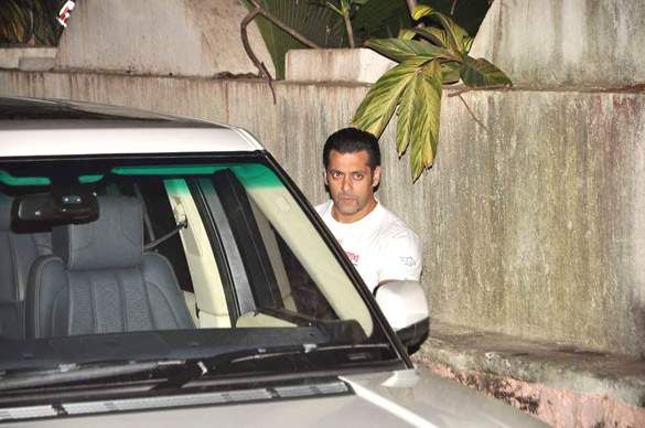 Salman Khan watches 'The Expendables 2' Hollywood movie