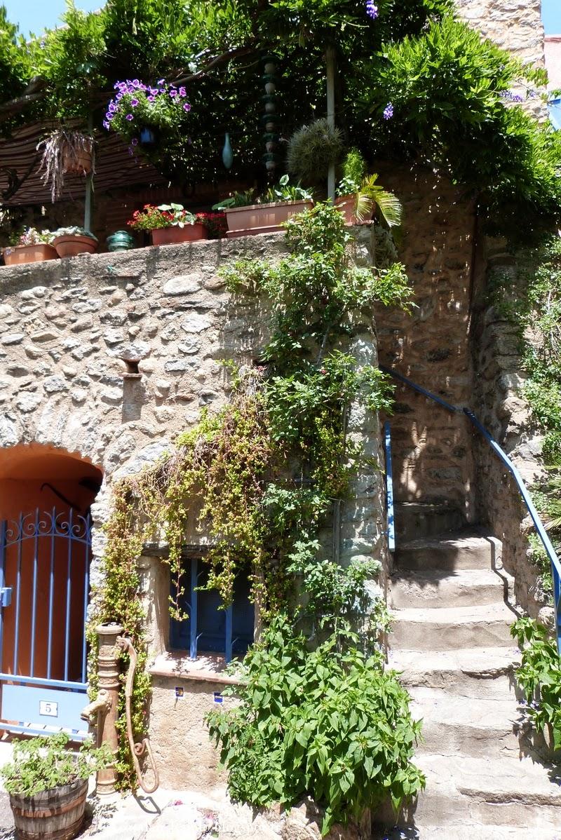 Un catalan en rando la casa pairal et le jardin for Le jardin catalan