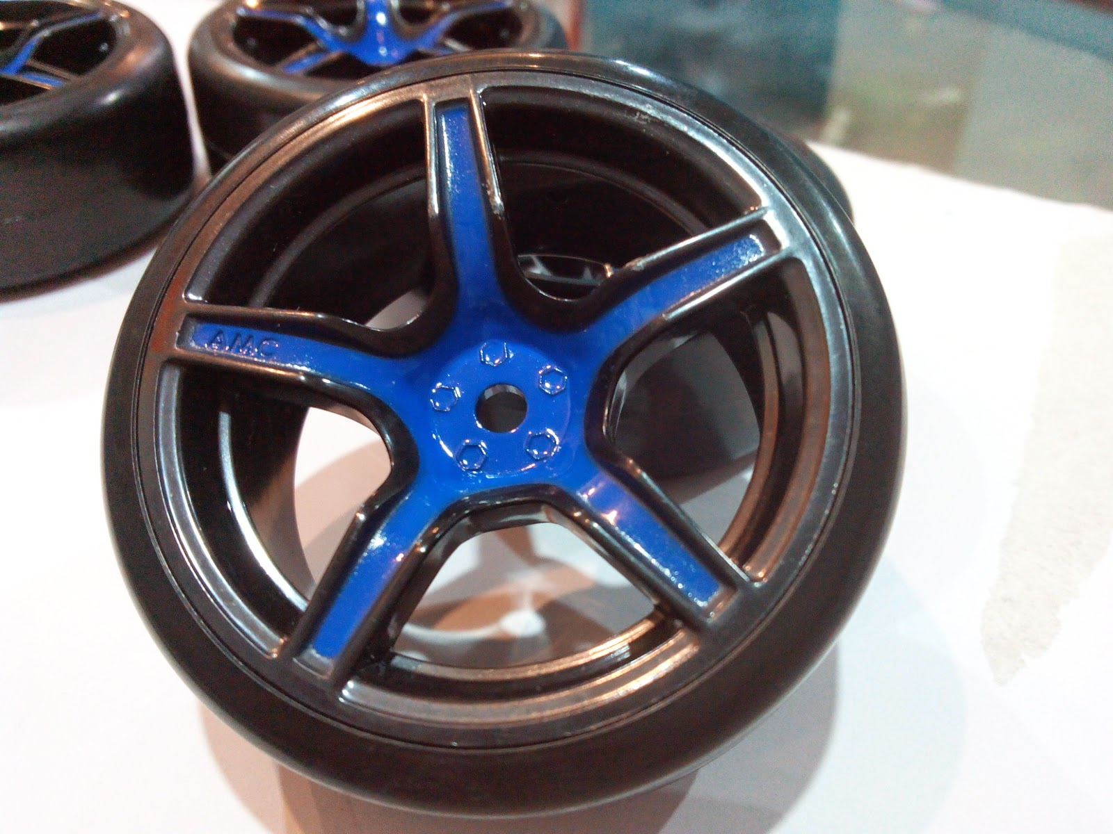 CORRECT MODEL 5 SPOKE WHEEL WITH DRIFT TIRE