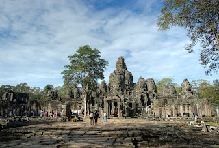 Holiday Fans travel the World RTW -family activities Bayon