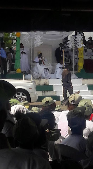 PHOTOS: Ooni Of Ife Visits NYSC Camp In Ede, Osun State 15390654_1279821805402745_6653957332593155804_n
