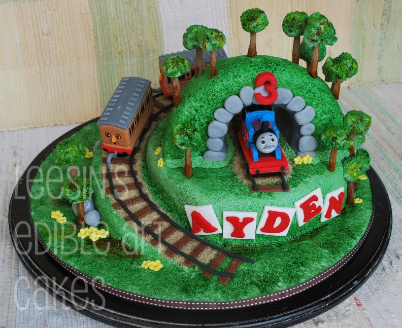 Cake Images Of Thomas The Train : Penang Wedding Cakes by Leesin: Thomas Train Cake