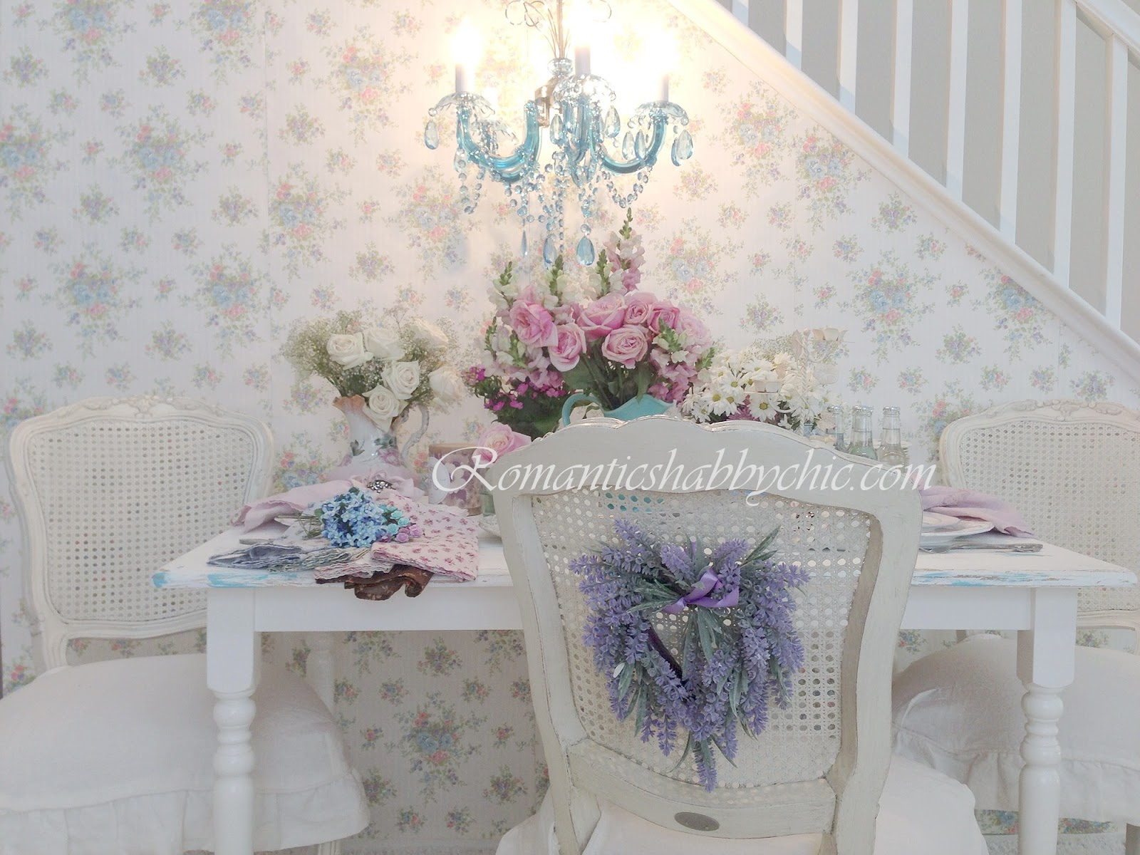 Romantic shabby chic style for What is shabby chic