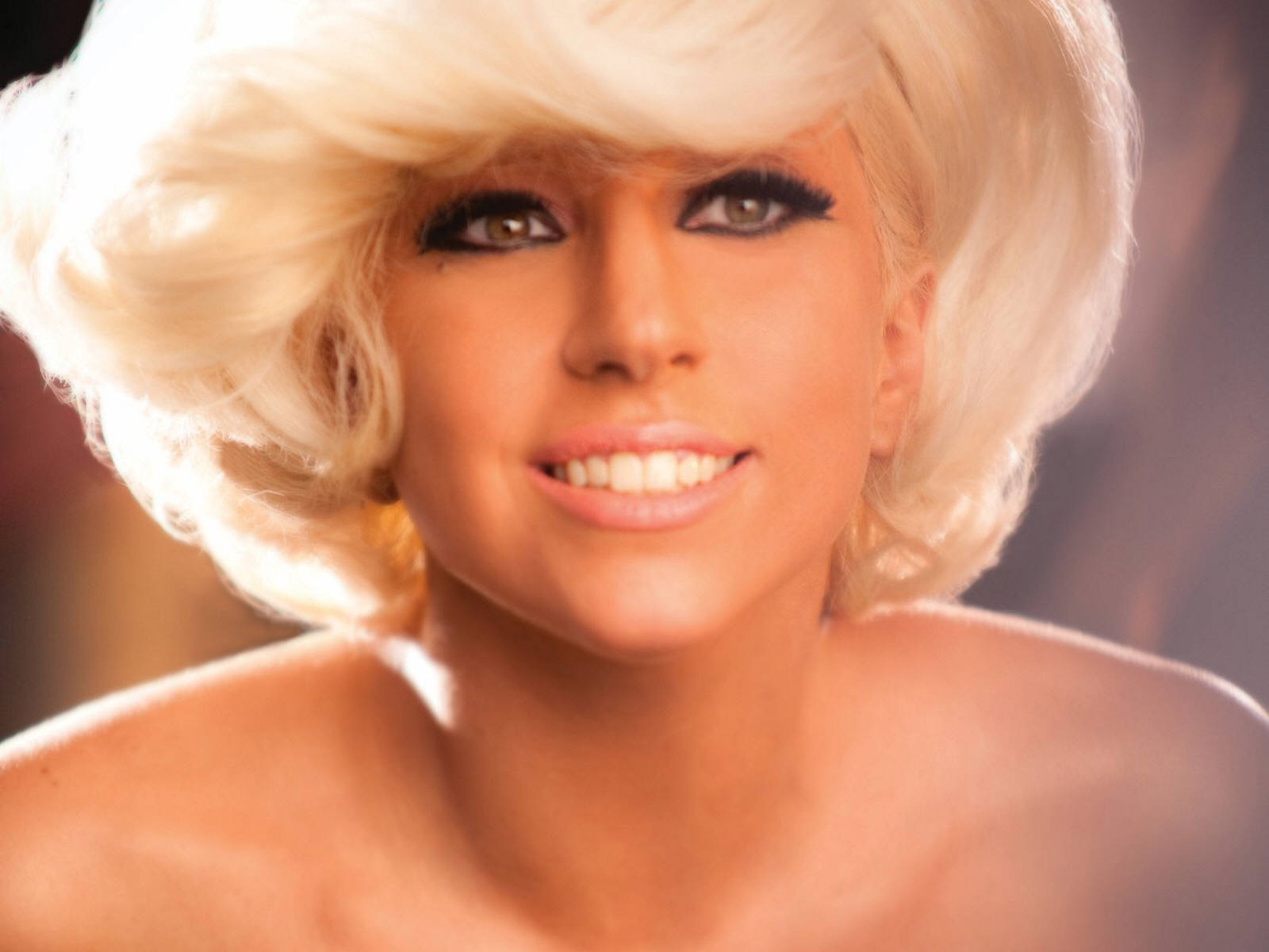 http://2.bp.blogspot.com/-8OPq_g1AWLw/Trw2Mr3yHZI/AAAAAAAAAlQ/wc9bbLbkwX8/s1600/Sexy-Lady-gaga-Wallpaper-lady-gaga-10606210-1600-1200.jpg