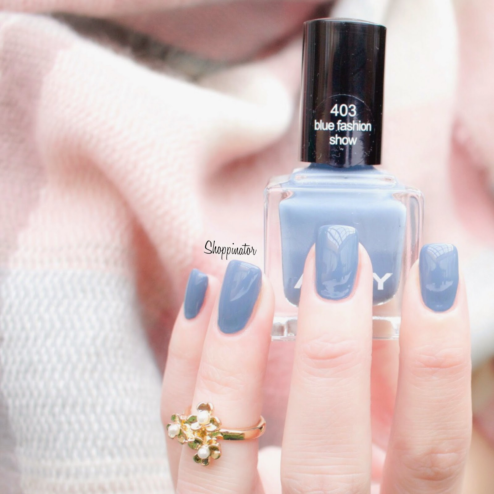 Anny-Blue-Fashion-Show-Swatch-Shoppinator-Nagellack-Notd-Nailpolish