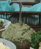 закуска из баклажан с орехами и зеленью в салатнике
