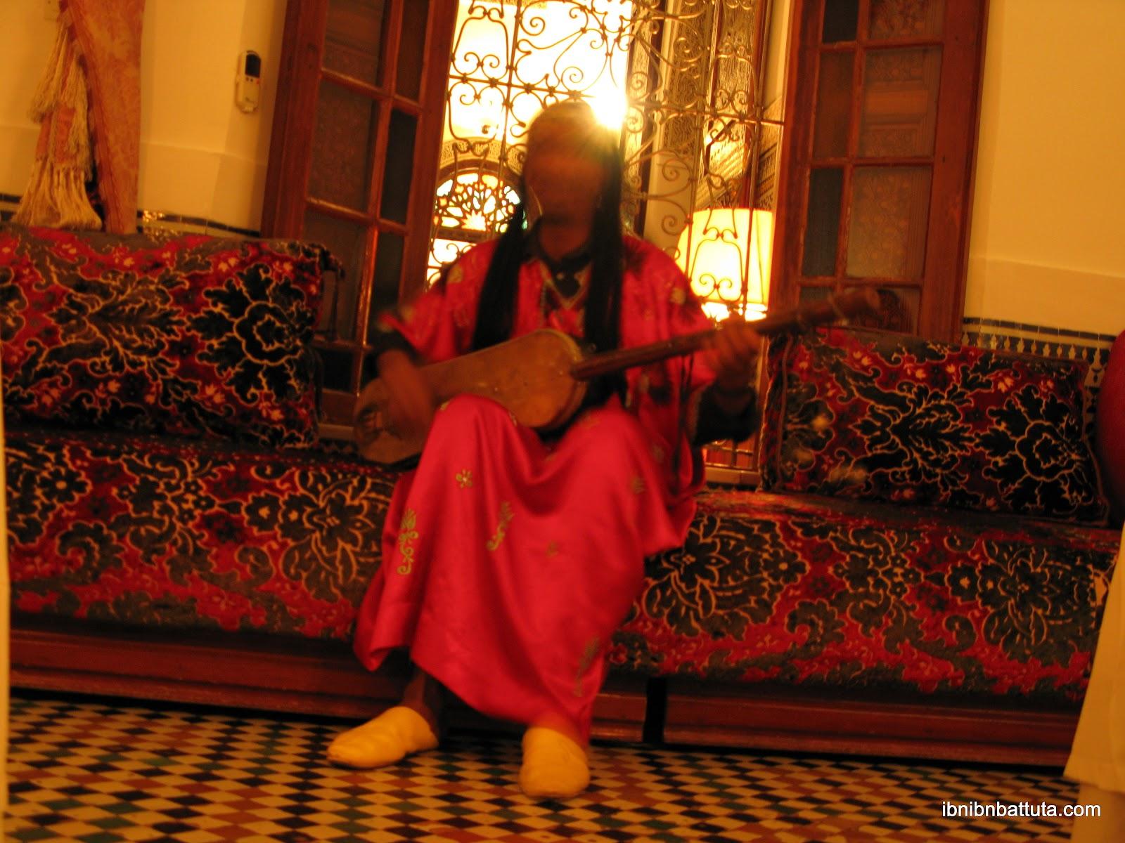 Musician at Maison Bleue (Fes)