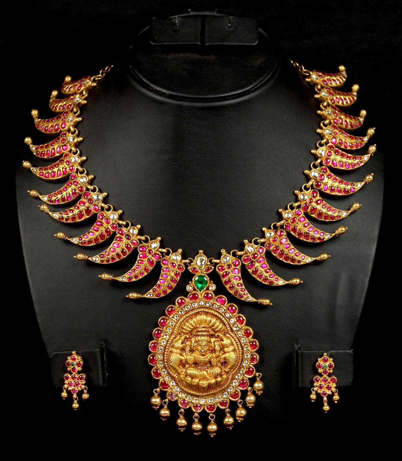 Indian Jewellery and C...