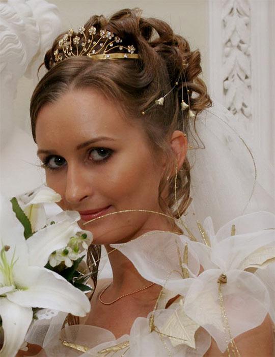 Свадебный макияж и прическа с фатой