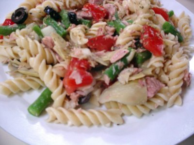 We can begin to feed...: Mediterranean Pasta Salad