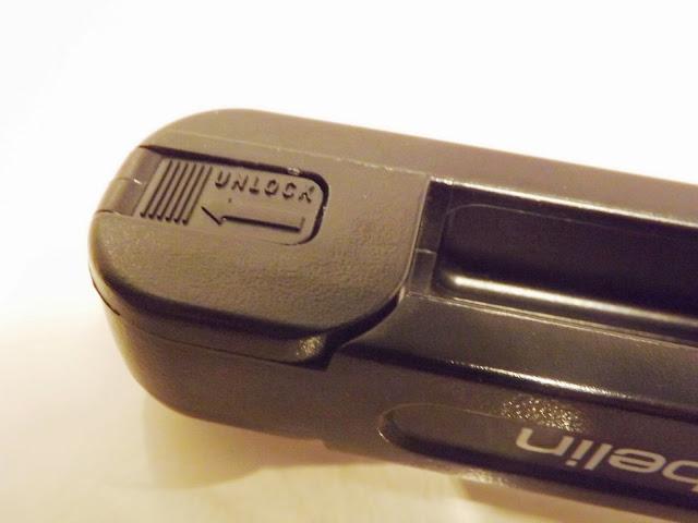 Unlock-Schieber, Ebelin Haarglättungsbürste
