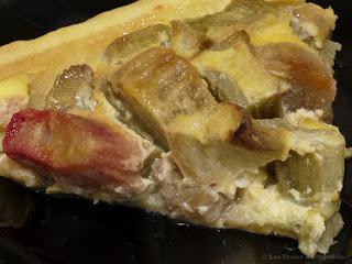 Tarte alsacienne à la rhubarbe (voir la recette)