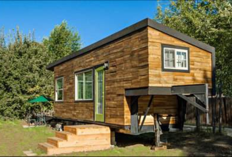 Covertress photos boise woman 39 s tiny house for Small affordable homes to build
