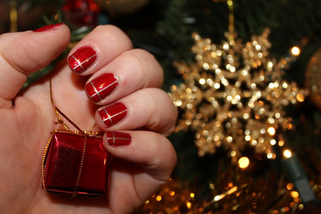 Easy Christmas Nail Art Christmas Presents Lovely Girlie Bits