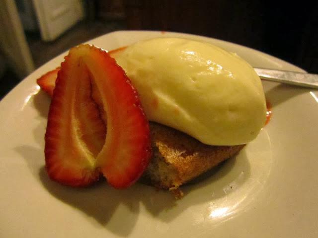 Biscuit con mousse de yoghurt