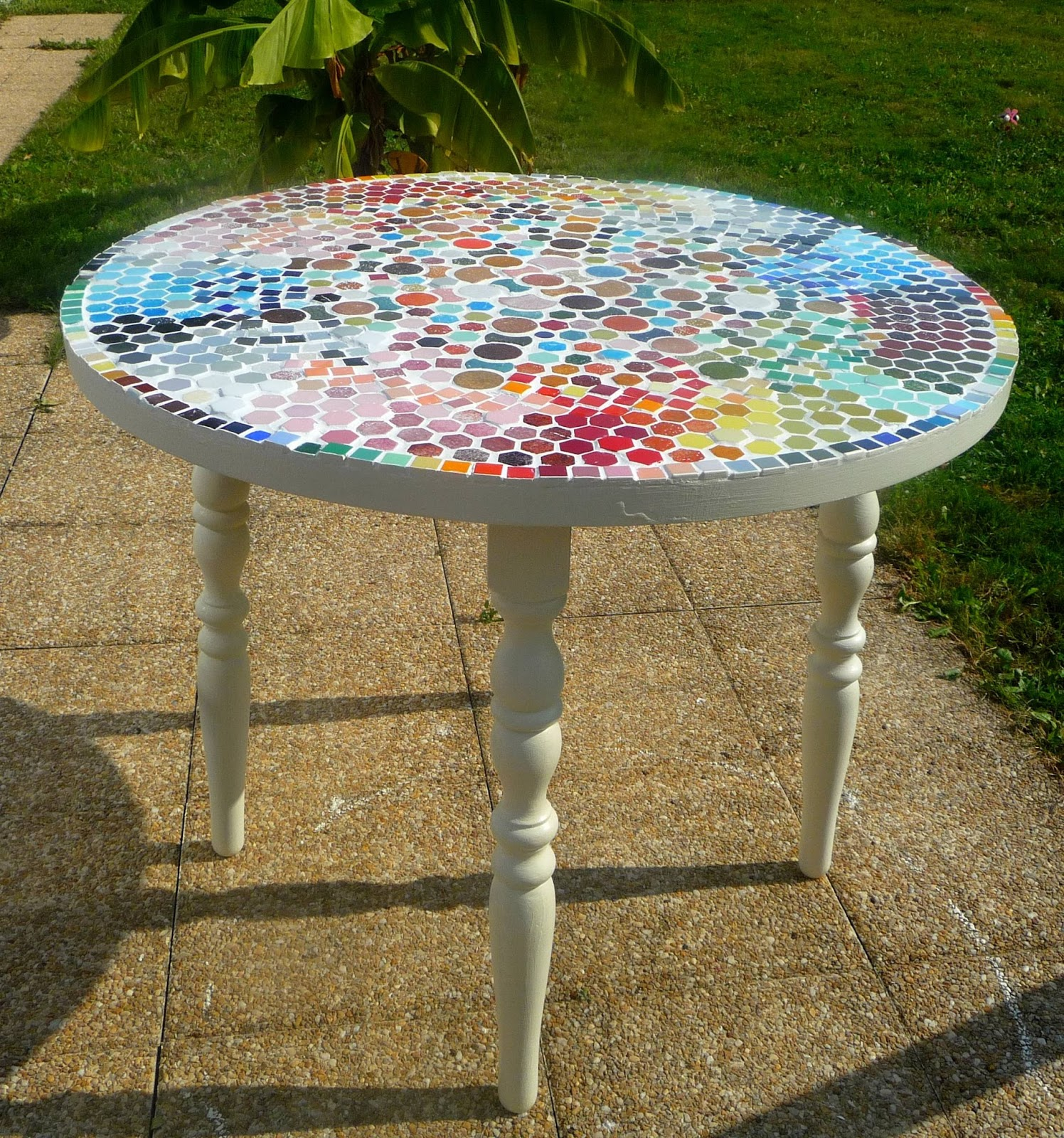 Diy transformer une table d 39 int rieur en table d 39 ext rieur for Table exterieur diy