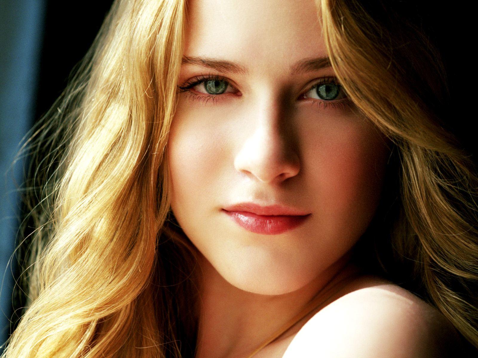http://2.bp.blogspot.com/-8QHCPrhcQRk/UM7_SUPAR8I/AAAAAAAAHFw/dq1FqRdybV0/s1600/actress%2BEvan%2BRachel%2BWood.jpg