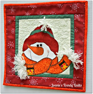 Joanies Trendy Quilts Mini Snowman Quilt And Blog Hop Party With