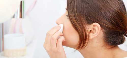 cosmeticos astringentes para cerrar porros abiertos