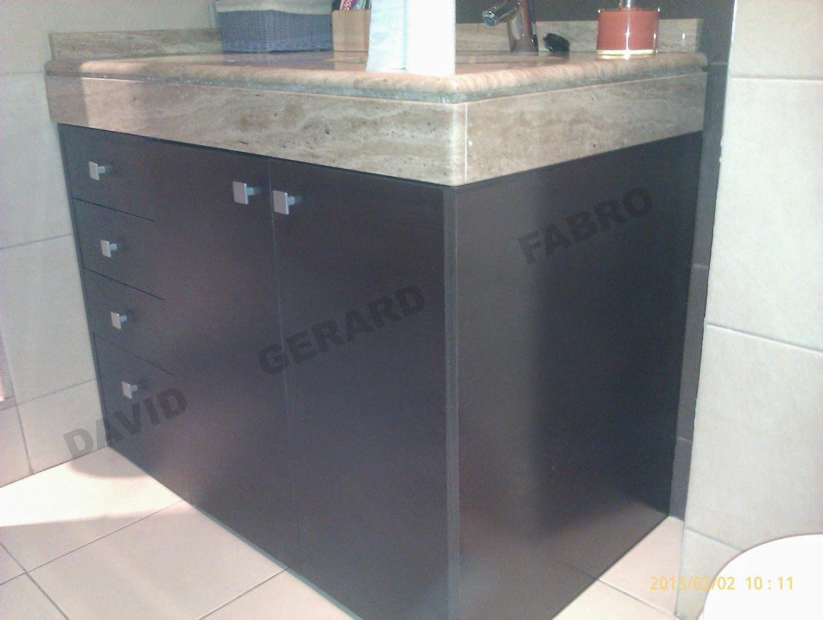 Mueble de wengue para aseo con encimera