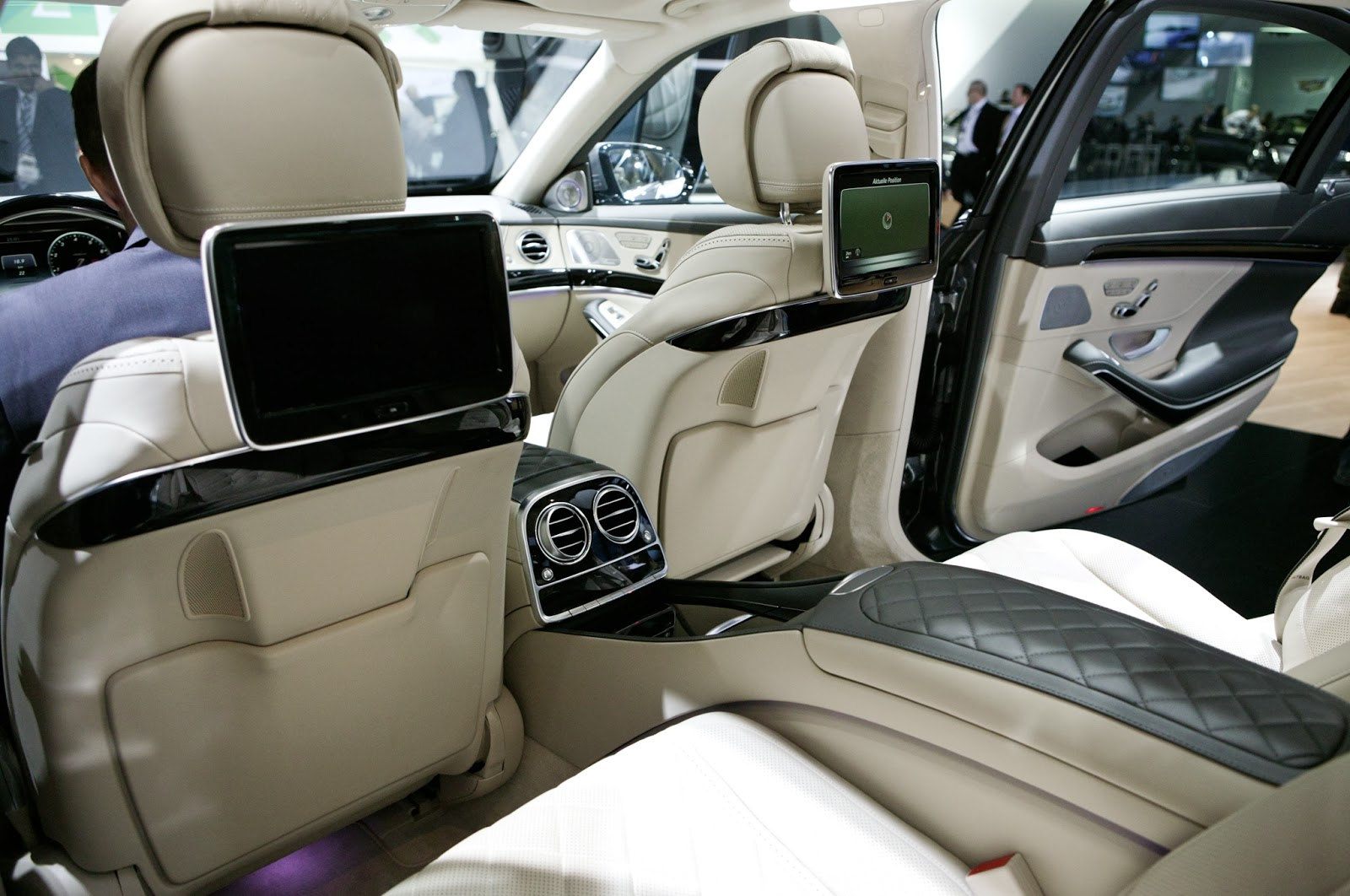 mercedes benz revives the maybach with the 2015 mercedes s600 - 2015 Mercedes S600 Interior