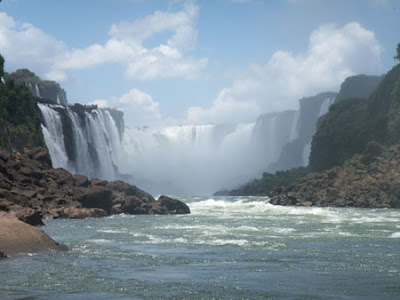 Iguazu-Falls-the-largest-falls-in-world