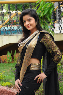 Gehana Vasista in black saree Pictures 004.jpg