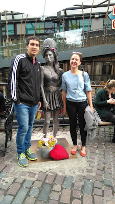 Amy Winehouse estatua