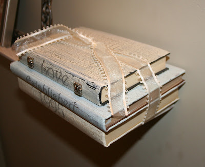 how to decorate old books, decorating with old books