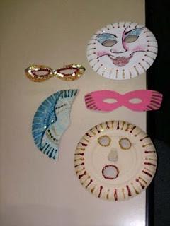 Máscaras com pratos de papel  Mascara+de+carnaval6