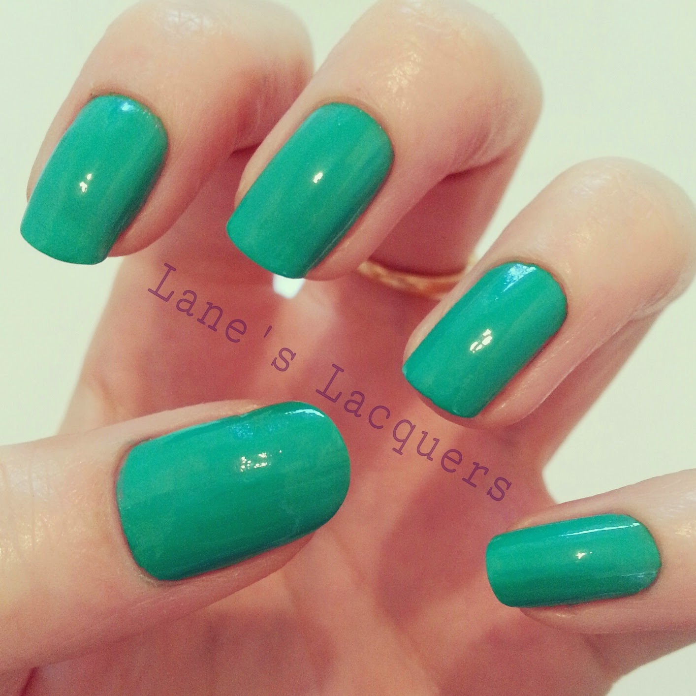barry-m-summer-gelly-kiwi-swatch-manicure