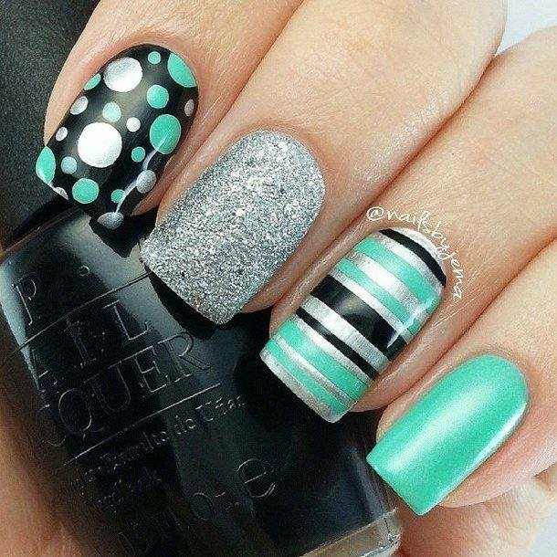 Green Dotted Nails | Nails