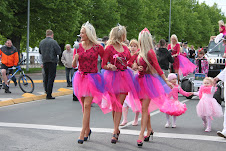 """Go Blonde"" parade!"