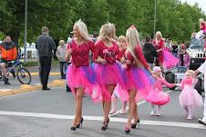 """""""Go Blonde"""" parade!"""