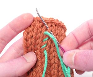 How To Weave Knitting Stitches Together : Knitting Galore: Wednesday Question : How To Weave In Ends?