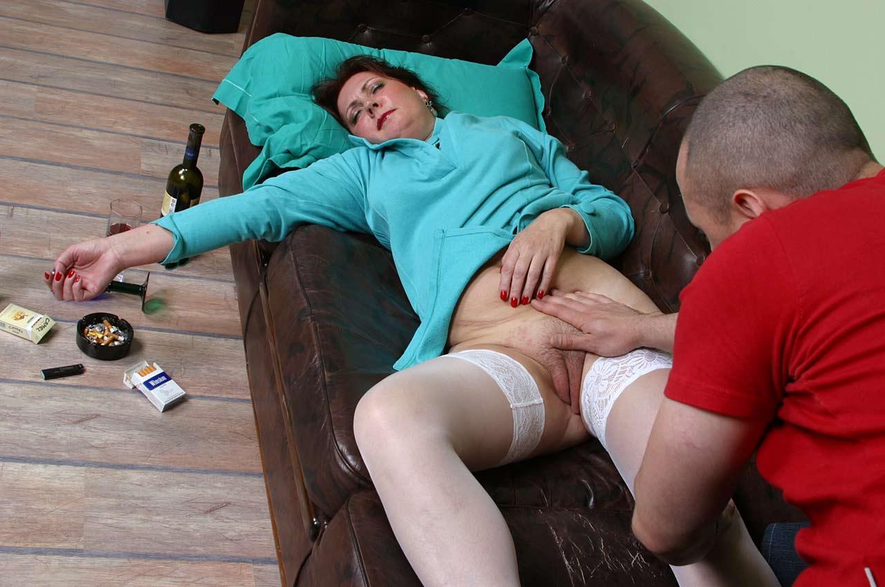 Пьяные порно копилка, Пьяные русские бабы - смотреть порно видео бесплатно 2 фотография