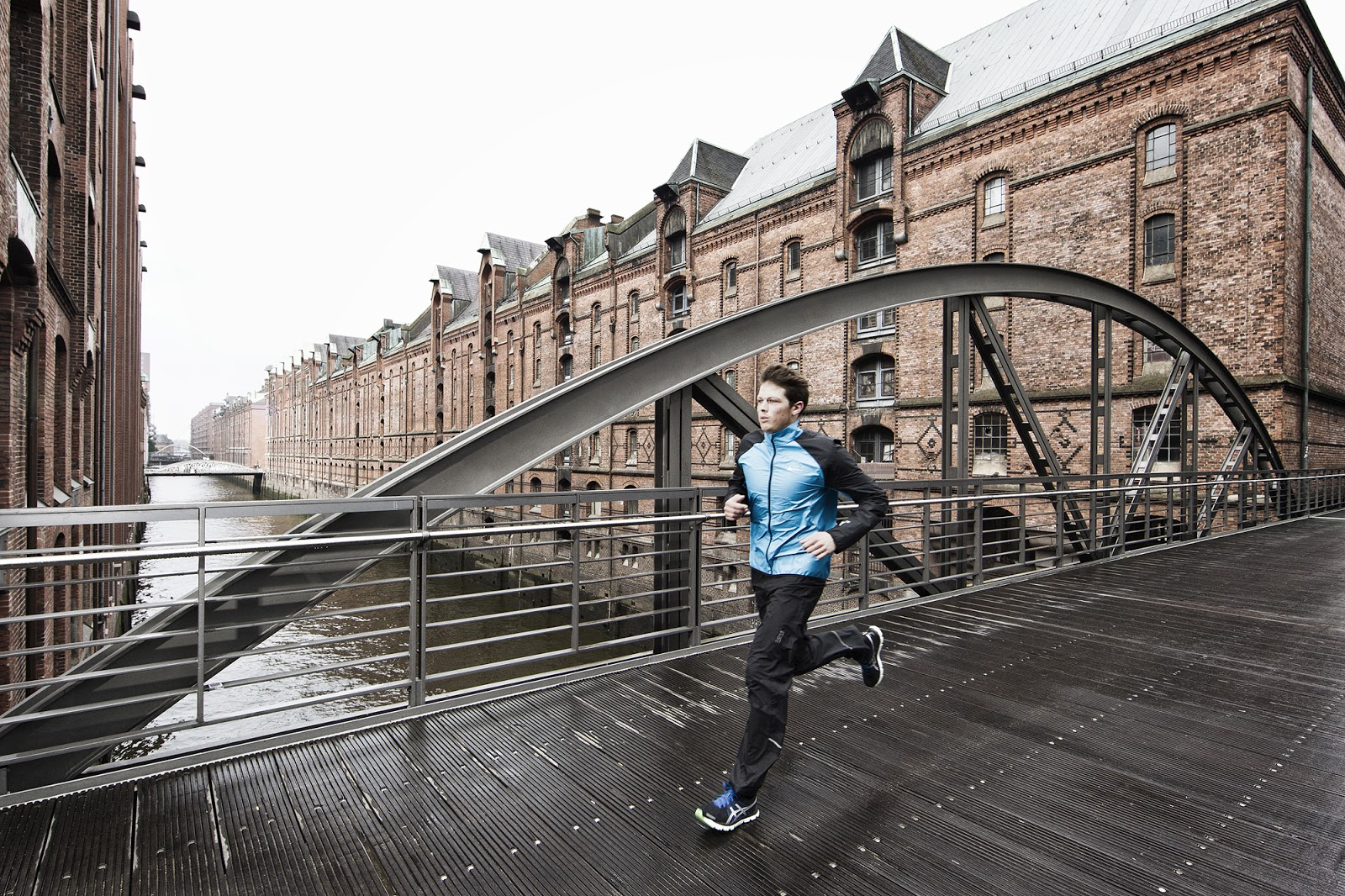 Urban Photo Shoot Btsv Urban Running Photoshoot For Gore Tex In Germany By Lars