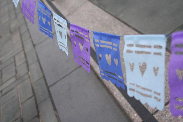 decoracao alternativa para festa junina: de Artesanatos: Como fazer bandeirinhas diferentes para festa junina