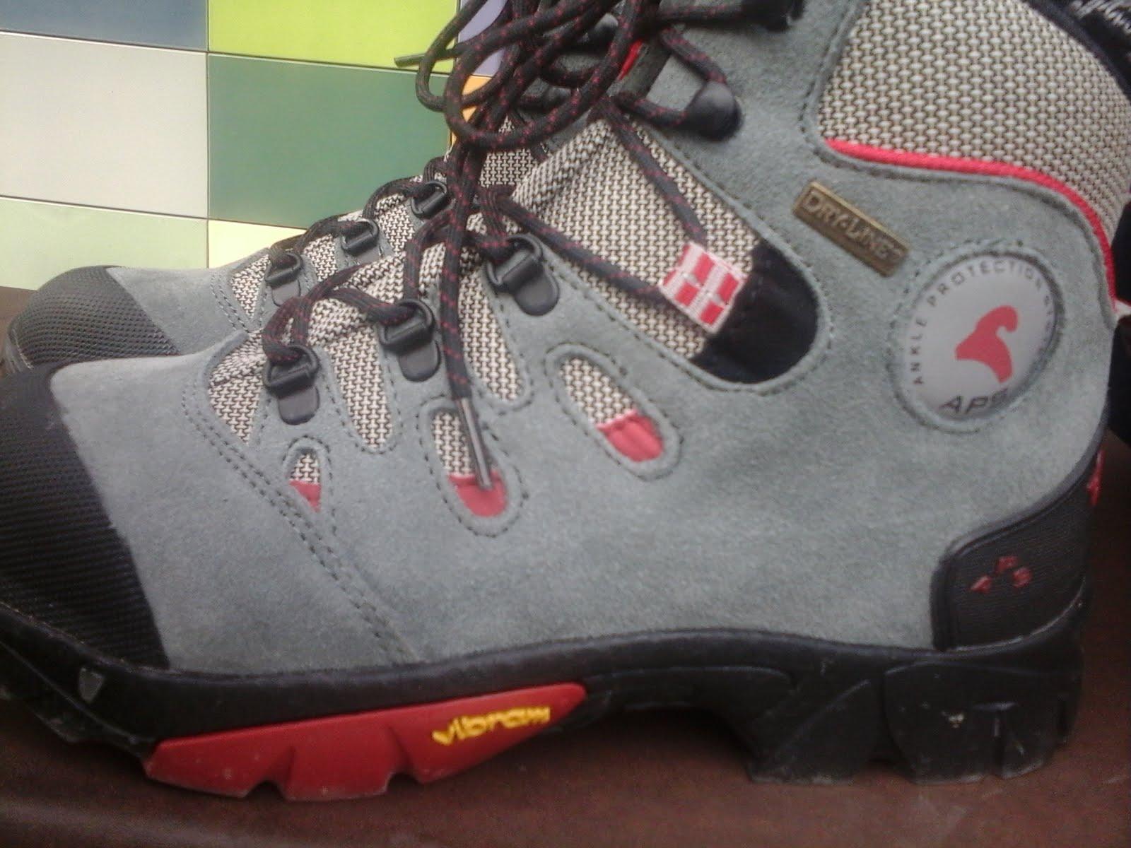 Las nuevas botas Boreal de Násser