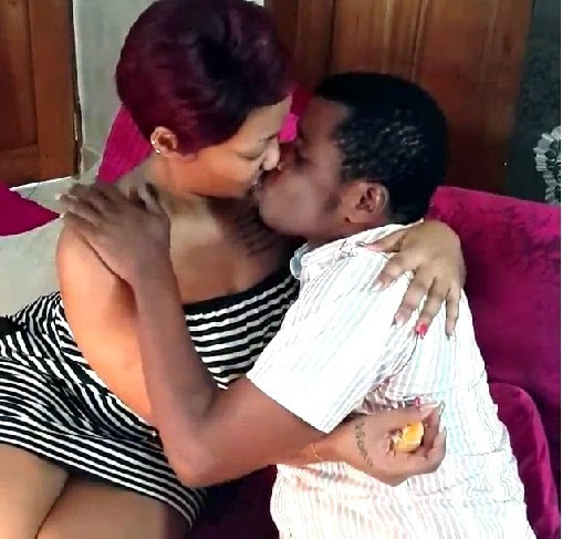 uwoya na rich kissing