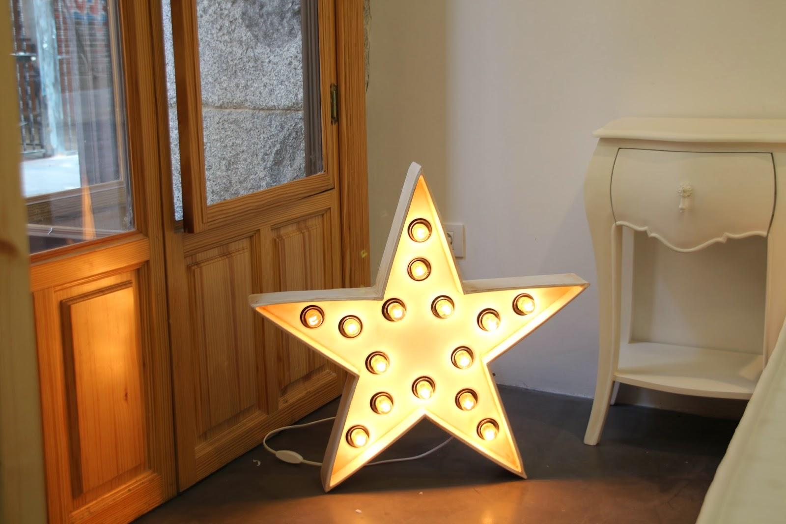 Decoración, Kenay Home,estrella luminosa, lámpara estrella, pop up store, espacio ciento y pico, malasaña, calle velarde